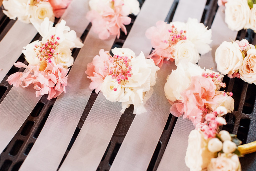 boutonnieres with white and pink flowers, Barcelona Brides