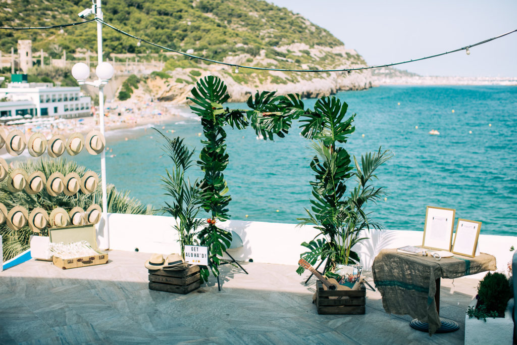 Hawaiian themed wedding, Barcelona weddings, Wedding planning in Barcelona,Wedding planning tips